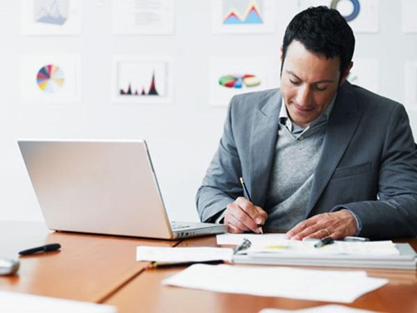 Tại sao doanh nghiệp nên thuê ngoài dịch vụ báo cáo tài chính?